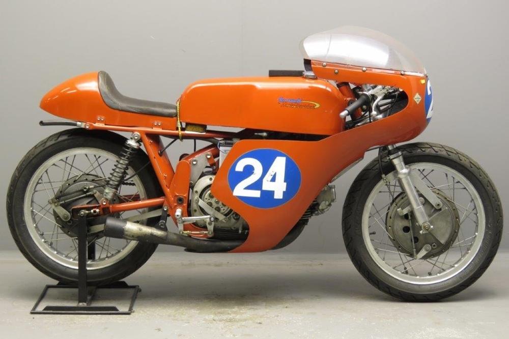 Гоночный мотоцикл Aermacchi Ala d'Oro 344 1968