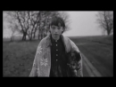 Girl walking with her dead cat - Sátántangó - Bela Tarr - 1994