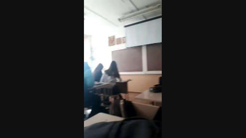 наш класс когда нету учителя