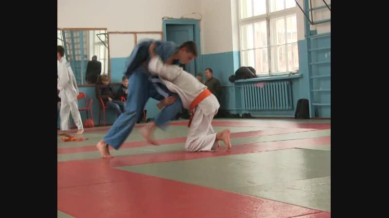 В г Комсомольское состоялось открытое первенство Старобешевского района по дзюдо среди юношей и девушек до 18 лет