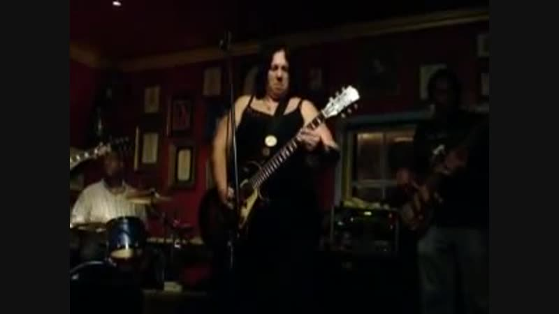 Joanna Connor Slide guitar 2010