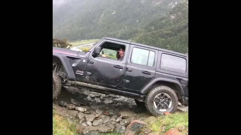 2018 Black Jeep Wrangler JL 4 Doors Sahara and Suspension