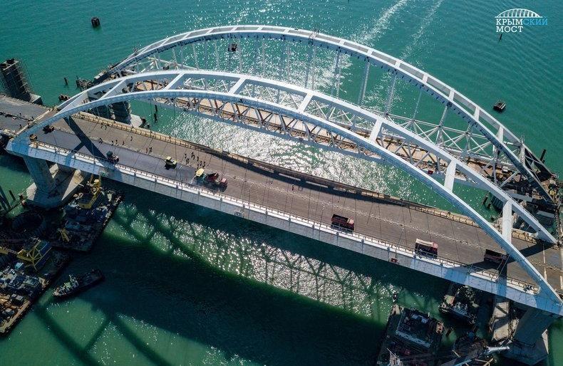 Крымский мост готов принять автомобили, мотоциклы и велосипеды