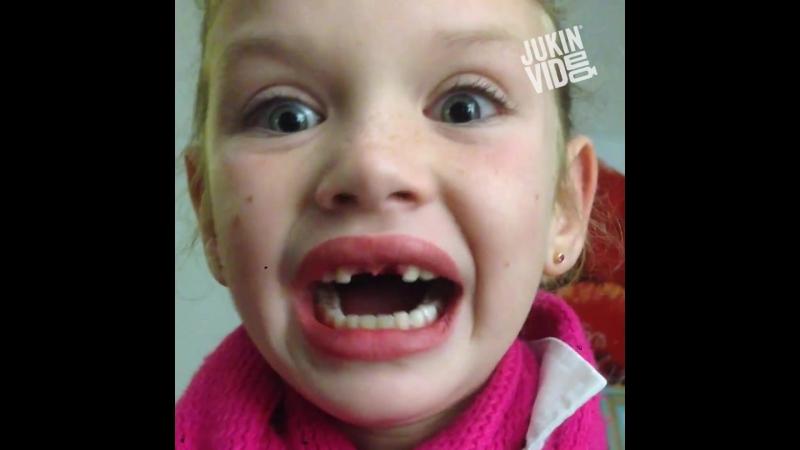 Лайфхаки - вырывание молочных зубов!
