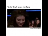 Taylor Swift loves her fans