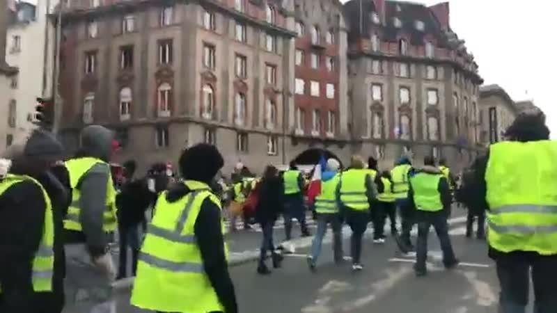 🔴 EnDirect Les Gilets jaunes de retour dans la rue pour la première mobilisation de lannée 2019. En savoir plus httpssptnkne.w