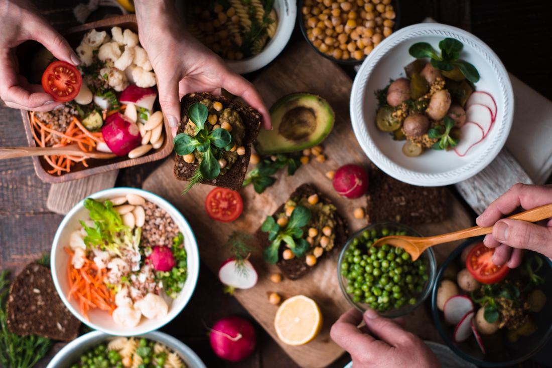 диета с разнообразием овощей и зелени уменьшает риск сердечных заболеваний.