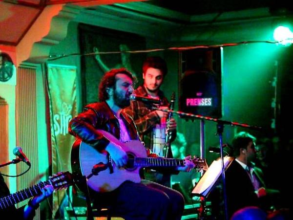 Halil Sezai - Hayalimin Ortasında Canlı Performans @ İmagine BarCafeDenizli