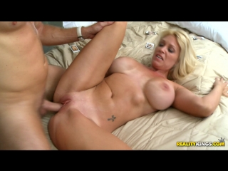 Charlee chase (picture perfect - 04.07.2011)