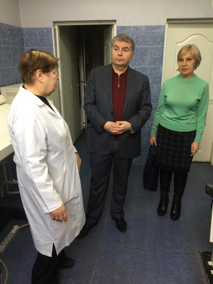 Борис Кулаев посетил КП «Городская платная стоматологическая поликлиника г. Донецка»