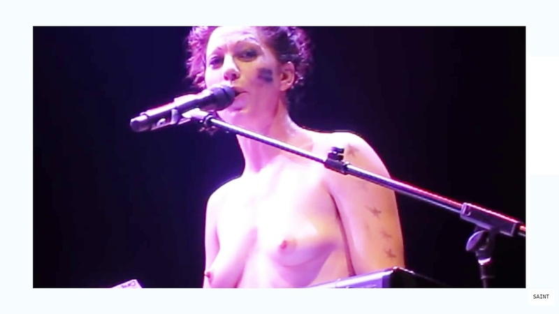 Amanda Palmer sings 'Dear Daily Mail' song 12 07 2013 London Roundhouse