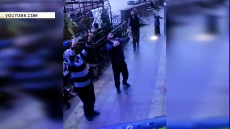 В Махачкале прохожие спасли пятилетнюю девочку, выпавшую с 5 этажа