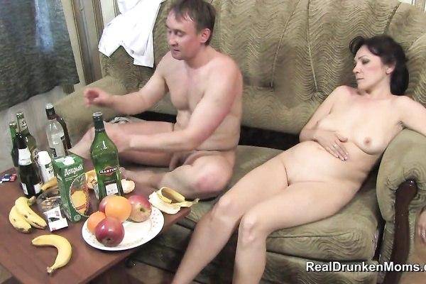 Порно пьяная баба дала