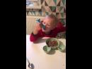Самсончик кушает