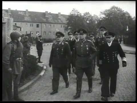 Капитуляция Германии / Germany surrenders (RGAKFD)