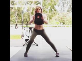 Комплексная мини-тренировка тела от Джиллиан Майклс