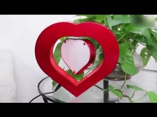 Летающая фоторамка в форме сердца