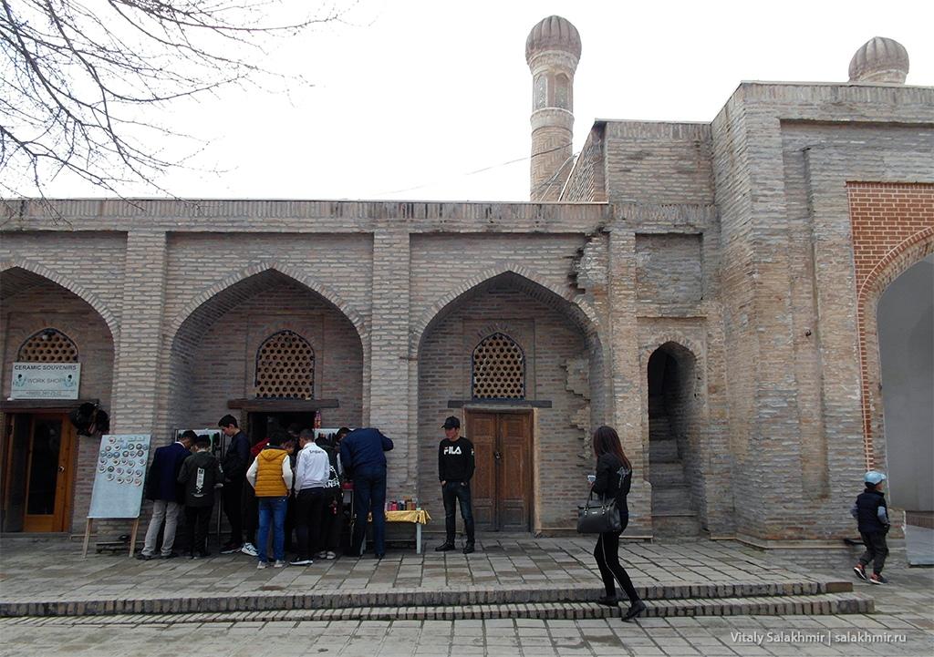 Внутренняя сторона ворот Рухабад, Самарканд 2019
