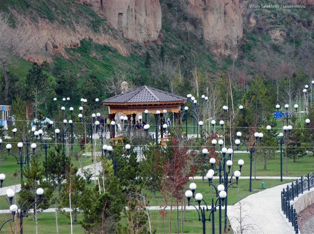Парк у реки Сиеб, Узбекистан, Самарканд 2019