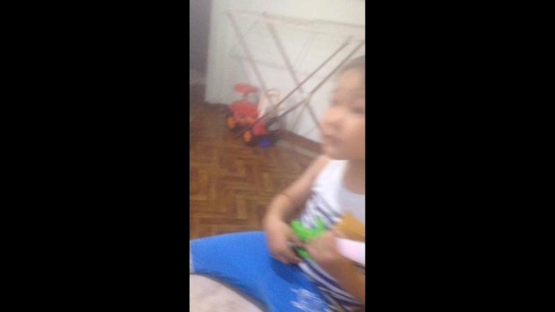 Манаса сын 3 годика