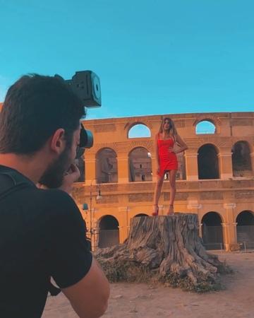 """ℓιѕ мor - Actríz 🇦🇷 on Instagram: """"Con @damianoguberti che mette un po 'di magia nel Colosseo 🇮🇹 St. @estudio.mn @quanticlo 🌹"""""""