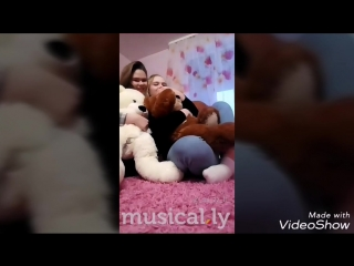 Video_20180406204736338_by_videoshow.mp4