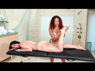 Liv Revamped and Mindi Mink - Practice Makes Perfect [Lesbian, Massage]