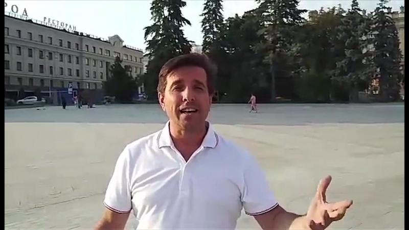 Олег Гуров приглашает всех в наш Узорный хоровод. Он знает о чём говорит: он бессменный ведущий фестиваля...