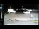 Сегодня ночью на парковке Мельникова 3 обстреляли машину.