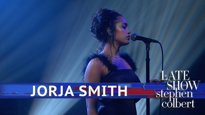 Jorja Smith Performs Dont Watch Me Cry
