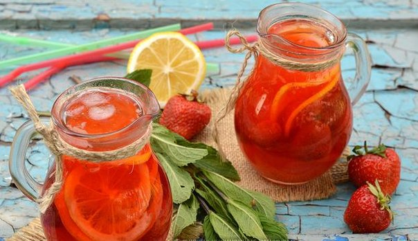 Домашний клубничный лимонад с мятой