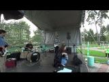 Дмитрий Кутафин и Алексей Воробьев - ударные, Леся Кремнева - вокал, Сергей Козлов - гитара, Павел - Руденко.