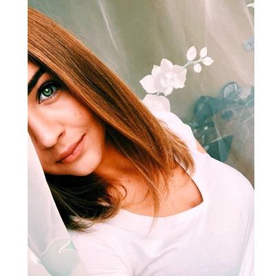 Аня Сапфирова