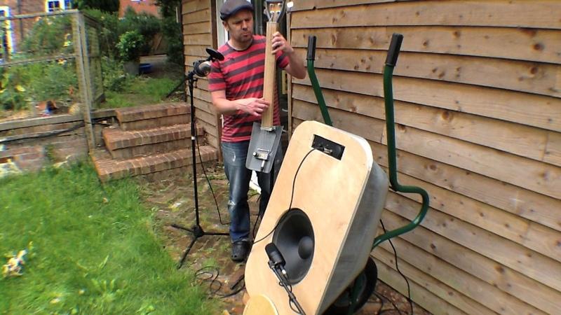 Electric Wheelbarrow - the Barrowtone bass amplifier