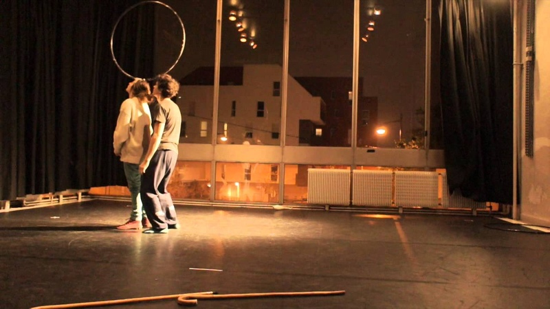 Juggling duo Lestage De Sanctis (hoops, clubs and more)