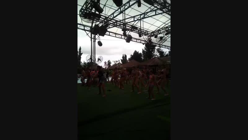 драйвовые танцы ))