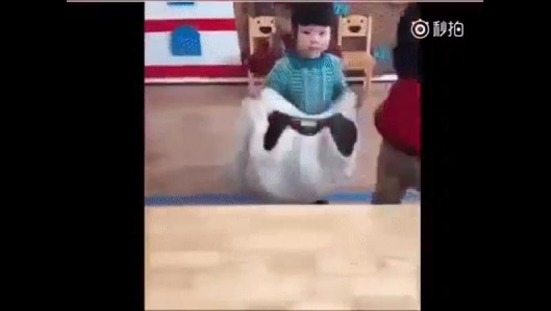 Как научить ребенка одеваться