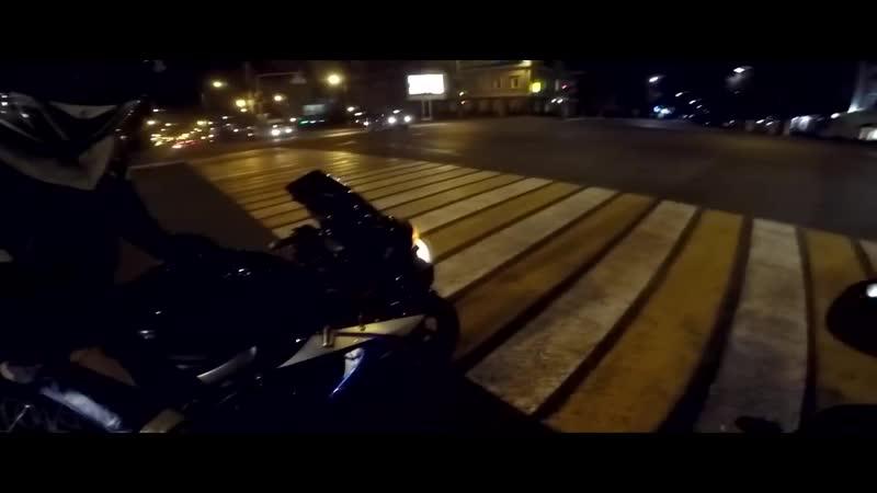 [POWER13] Безбашенная езда на спортбайке — 180 км/ч на заднем колесе по городу