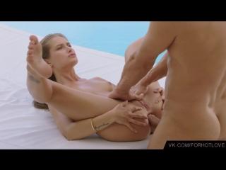 Красивый анальный секс с худой красоткой у бассейна (оргазм, sex, orgasm, anal, fuck, big dick)