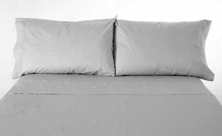 Поддержание чистоты простыней может помочь предотвратить появление постельных клопов