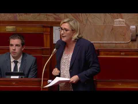 Marine Le Pen lors des débats relatifs au projet de loi Asile et Immigration