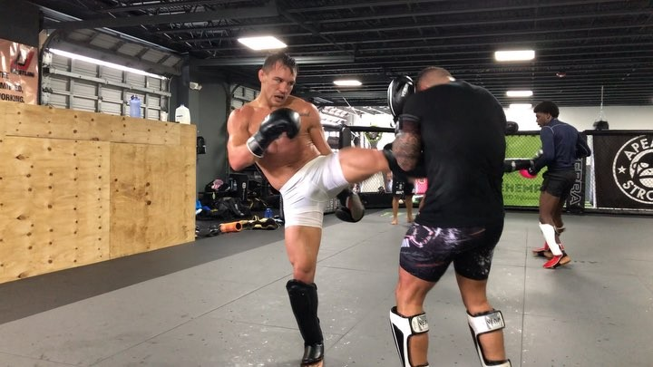 """Michael Chandler on Instagram """"The last minute of an 8 round sparring session with @robinvanroosmalen as he makes me burn it out and throw as many..."""