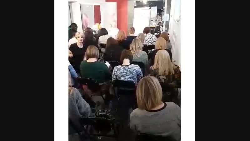 studenoe-porno-video-negr-opuskaet-belogo-v-ochko