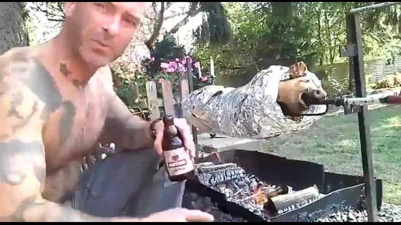 Я буду продолжать есть свинину и пить пиво и не допущу чтобы это было запрещено мусульманами и исламистами