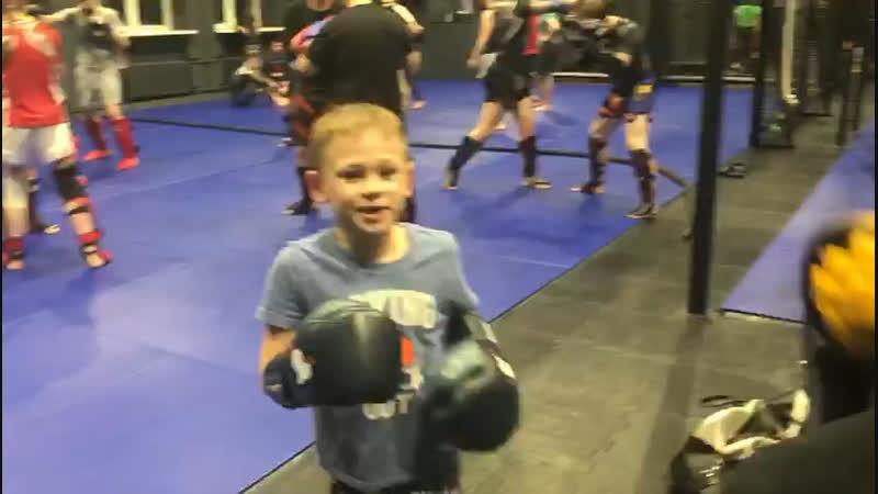 Александра Саночкин - тренировка по Тайскому боксу
