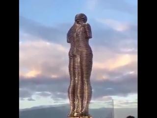 Статуя любви(Батуми)