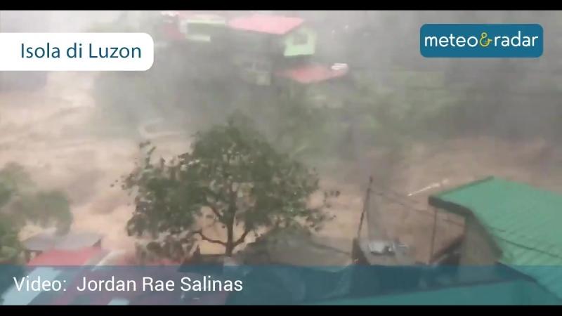 Situazione estremamente critica nellisola di Luzon, nella parte settentrionale delle Filippine. Il Tifone Mangkhut si abbatte su