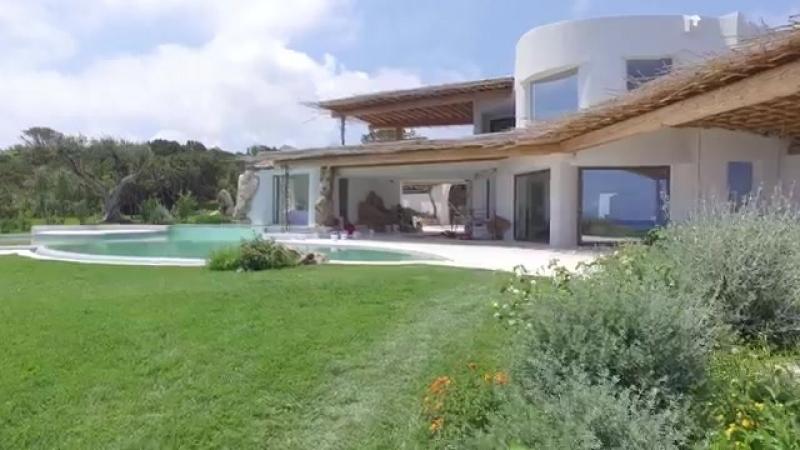 Новая элитная вилла Порто-Черво с собственным пляжем в приватной зоне