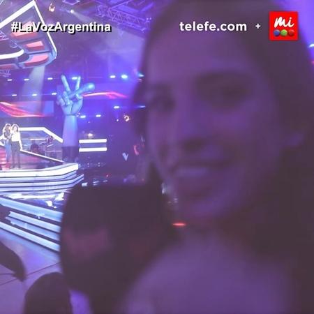 """La Voz Argentina on Instagram: """"¡Así vivó @candemolfese el detrás de escena de un momento increíble! 🤩 Sofía Petros y @tinistoessel cantaron juntas..."""