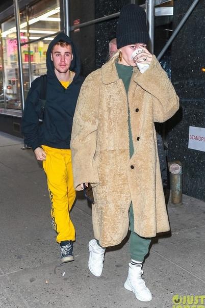 Джастин Бибер напугал фанатов запущенным внешним видом Казалось, только недавно поклонники Джастина Бибера радовались за его новую стрижку и коллекцию модной одежды, но певец вновь заставил их